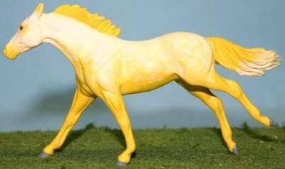 Sudden Digression - Custom Breyer Stablemate Thoroughbred - Yellow Going Gray - Left