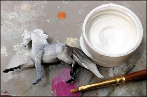 Gesso Prepping a Breyer Mini Whinnie