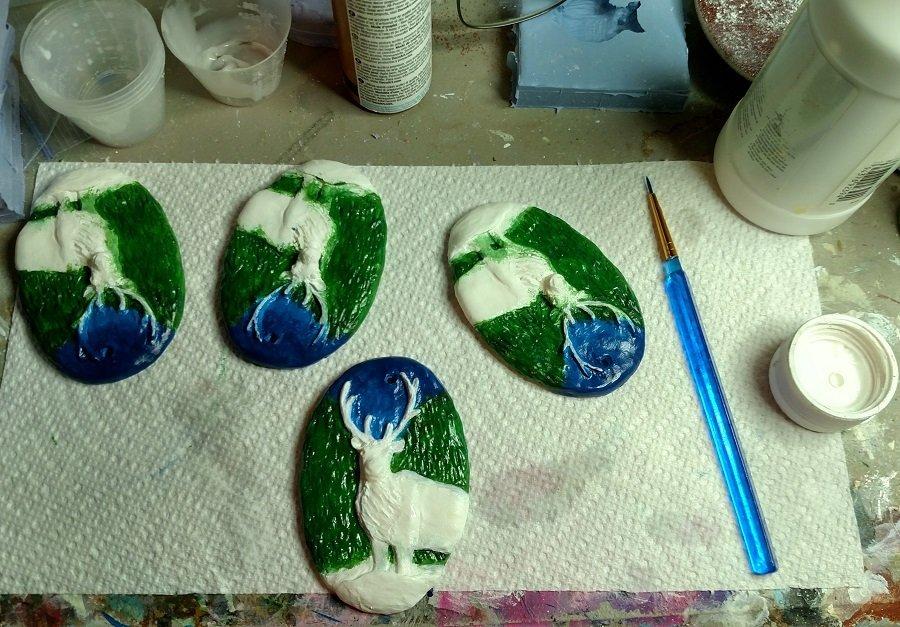 Painting resin reindeer ornaments