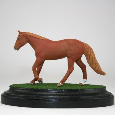 Breyer Stablemate Scale Oval Grass Base with Horse
