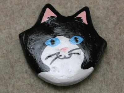 Flat Cat Head 010 - Martha Bechtel - Front Tan