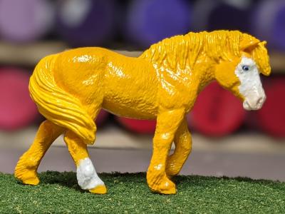 Buttercup - Custom Safari Ltd TOOB Walking Pony - Martha Bechtel - Grass
