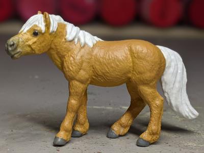 Daisy Mae - Custom Safari Ltd TOOB Standing Pony - Martha Bechtel - Portrait