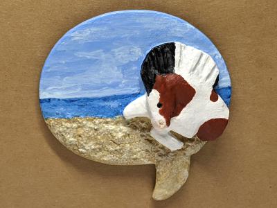 Leaping Horse 012 Magnet - Bay Tobiano on beach speach bubble - Martha Bechtel - Tan